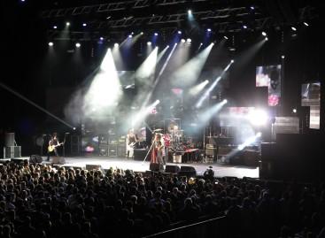 Kings of Chaos y grandMA2 llevaron un poco de rock a Sudáfrica