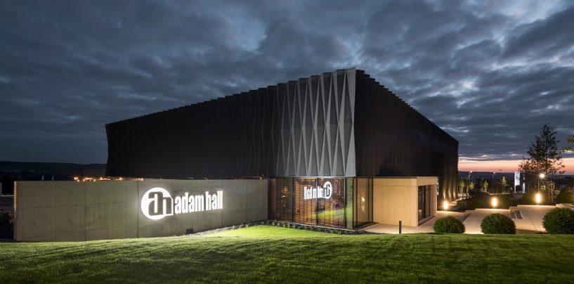 Adam Hall Group y sus marcas en crecimiento