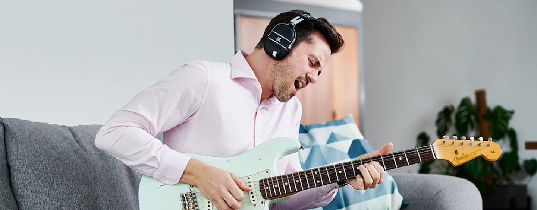 Boss lanza auriculares Waza-Air con amplificador de guitarra incorporado